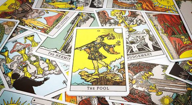 cropped-tarot-cards.jpg
