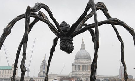Giant-Louise-Bourgeois-sp-010
